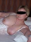 Ältere, verheiratete Frau fickt fremd